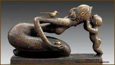 """""""A Kiss Mother""""_Bronze Sculpture by Han Meilin. Nagasaki, Metal Art, Wood Art, Art Bizarre, Art Sculpture, Wire Sculptures, Abstract Sculpture, Sculpture Ideas, Art Plastique"""