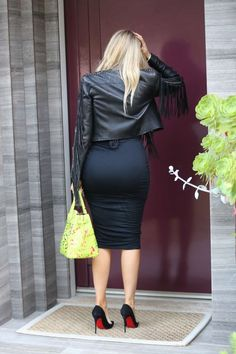 Khloe Kardashian – Out in Beverly Hills, May 2015 Khloe Kardashian Photos, Koko Kardashian, Hot High Heels, Estilo Fashion, Sexy Skirt, Hot Dress, Tight Dresses, Tight Skirts, Elegant