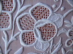 bobbin lace integrated into a lovely embroidery