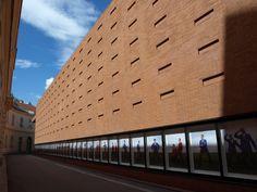 Hinter der Kunsthalle Wien