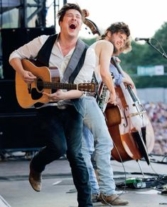 Daily Dose of Mumford and Sons #134 - MumsonFans.com - Marcus Mumford, Winston Marshall, And Ted Dwane Of Mumford And Sons