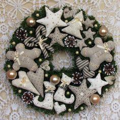 Holiday Wreath, Christmas Wreath,Christmas Gift, Winter Wreath, Happy Holidays  Wreath, Door Wreath, 16 inch wreath