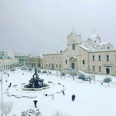 #neve #snow #snowflakes #flakes #puglia #apuglia #giovinazzo #italy  #piazzavittorioemanuele
