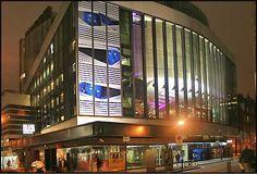 New London Theatre - School Of Rock West End Theatres, School Of Rock, London Theatre, New London, London Hotels, Covent Garden, The Neighbourhood, Arts Theatre, Organic Gardening