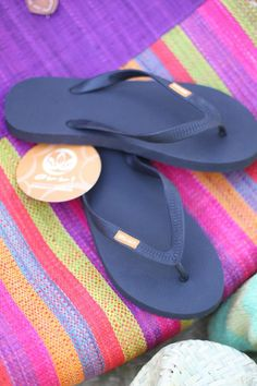 This month I want to introduce you to Olli, a company that makes fair trade, natural and biodegradable flip flops that… Love Natural, Natural Rubber, Fair Trade, How To Introduce Yourself, Spotlight, Must Haves, Flip Flops, Shoes, Fashion
