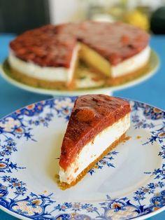 Cheesecake cu ricotta și topping de căpșuni, fără coacere – Chef Nicolaie Tomescu Raw Vegan, Ricotta, French Toast, Cheesecake, Deserts, Ice Cream, Sweets, Breakfast, Cardio