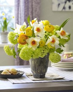 easter vase arrangement