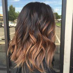 haare ombre frisör locken lockige haare dunkel braun nuancierung hellbraun orange
