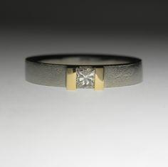 14K white gold band,