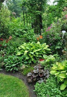 Fresh and beautiful backyard landscaping ideas 04 #landscapingideas #Landscapingandoutdoorspaces #GardeningIdeas