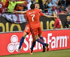Chile's Charles Aranguiz (L) celebrates his goal against Colombia with teammate Alexis Sanchez during a Copa America Centenario semifinal football match in Chicago, Illinois, United States, on June / AFP / Nelson ALMEIDA Alexis Sanchez, Copa America Centenario, Football Match, Goku, Illinois, United States, Celebrities, People, Celebs