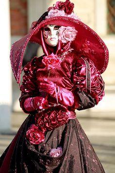 Masquerade in Venice Venice Carnival Costumes, Mardi Gras Carnival, Venetian Carnival Masks, Mardi Gras Costumes, Carnival Of Venice, Venetian Masquerade, Masquerade Ball, Venice Carnivale, Boris Vallejo