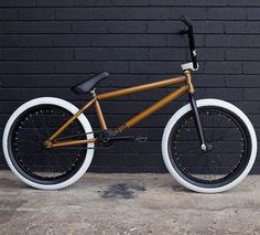 @backbonebmx built up this custom Fuego with a bunch of Flybikes parts! How good does that thing look?  #bmx #australia #backbonebmx #bike #bicycle #style #photo