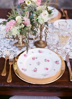 Romantic antique table decor: http://www.stylemepretty.com/destination-weddings/2014/12/12/romantic-tuscan-wedding-inspiration-2/ | Photography: Stefanie Kapra - http://www.stefaniekapraphoto.com/