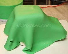 How to Make a Tractor Cake 15