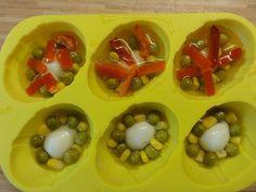 Jak připravit velikonoční aspik | recept Easter Recipes, Eggs, Vegetables, Breakfast, Food, Recipes, Morning Coffee, Vegetable Recipes, Eten