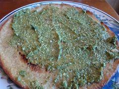 gluten-free quinoa pizza crust - this looks so easy and so yummy!! just quinoa - no random bizarre flours...