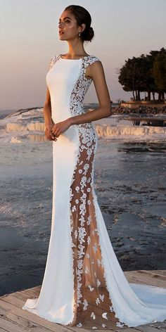 White wedding dress. All brides dream of finding the most appropriate wedding day, but for this they require the perfect wedding gown, with the bridesmaid's dresses enhancing the brides dress. These are a few ideas on wedding dresses.