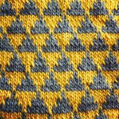 Hand knitted woolen baby blanket for crib by YellowYarnyYak