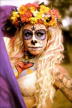 Body Paint: El Dia de los Muertos Sugar Skull Chick