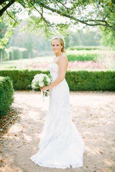Beautiful garden bride: http://www.stylemepretty.com/little-black-book-blog/2014/10/24/romantic-morton-arboretum-wedding/ | Photography: Jacqui Cole - http://jacquicole.com/