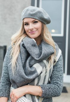 grey beret outfit Casual Outfits, Fashion Outfits, Womens Fashion, Fashion Clothes, Beret Outfit, Distressed Denim, What To Wear, My Style, Amanda
