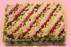 Sandwich Cake, Sandwiches, Salad Design, Small Kitchen Organization, Kitchen Hardware, Kitchen Remodeling, Remodeling Ideas, Food Art, Sushi