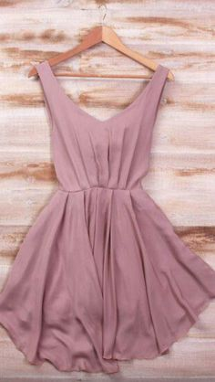 Beautiful dusty rose, would love this to pack for my holidays!