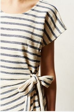 Bow and stripes,