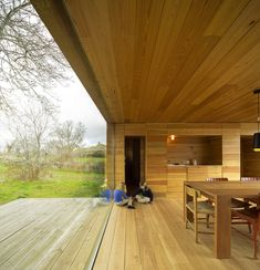 Loving this wooden finish and the space in general - me gusta! Casa B / ch+qs arquitectos