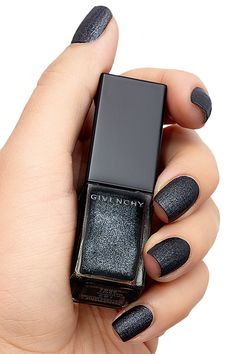 Givenchy black glitter manicure #nails