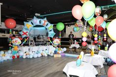 Balloon Arch, Balloons, Cake, Desserts, Food, Globe Decor, Decorations, Tailgate Desserts, Globes