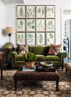 retro wohnzimmer ideen You are in the right place about living room navy Here we offer you the most Green Rooms, Decor, Green Sofa, Home And Living, Green Home Decor, Home Decor, House Interior, Room Decor, Retro Home Decor