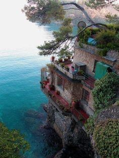 Sea Side Home, Cinque Terre, Italy. Def want to see Cinque Terre someday! Places Around The World, The Places Youll Go, Places To See, Around The Worlds, Dream Vacations, Vacation Spots, Italy Vacation, Italy Honeymoon, Vacation Deals