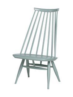 Ilmari Tapiovaaran vuonna 1956 suunnittelema veistoksellinen Mademoiselle-tuoli on saanut innoituksensa perinteistä suomalaisista pinnatuoleista. Tuolin matala ...