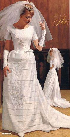1964 mid mod wedding gown - Wards we love the fullness of this wedding veil. Vintage Wedding Photos, Vintage Bridal, Vintage Weddings, Wedding Attire, Wedding Gowns, Wedding Veil, 1960s Fashion, Vintage Fashion, Vintage Dresses