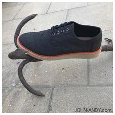 Brogues, Black Denim, Yeezy, Men's Shoes, Toms, Adidas Sneakers, Oxford Shoes, Mens Fashion, Moda Masculina
