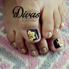 Pretty Toe Nails, Pretty Toes, Pedicure Nail Art, Toe Nail Art, Toe Nail Designs, Diy And Crafts, Beauty Hacks, Lily, Emerson