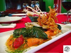 Rolls de lenguado en camisa de vegetales, sobre puré de calabaza con salsa americana.