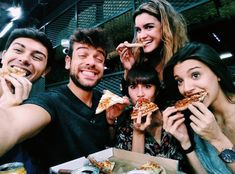 Pizza night in the academia Rick Y, Big Time Rush, Julia, True Stories, War, Friends, Youtubers, Famous Youtubers, Famous Singers