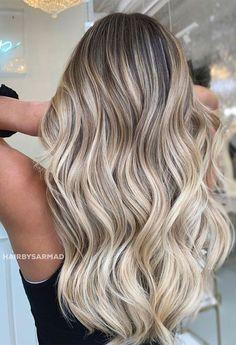 Blonde Hair Shades, Blonde Hair Looks, Brown Blonde Hair, Blonde Waves, Blonde Honey, Blonde Hair With Brown Roots, Cool Toned Blonde Hair, Cream Blonde Hair, Black Hair
