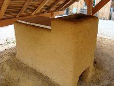 """Construction d'un four à bois à flamme bouclée et la première cuisson - L'atelier de poterie """"La Terre en Feu"""""""