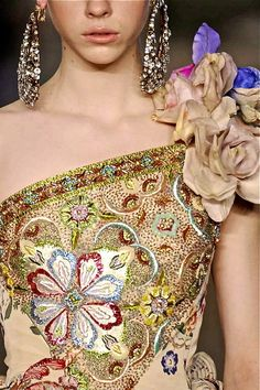 Christian Lacroix Fall 2008 , , , , by shana Haute Couture Dresses, Couture Fashion, Fashion Show, Style Fashion, High Fashion, Couture Details, Fashion Details, Fashion Design, Christian Lacroix
