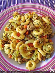 Curry pasta with hack, a good recipe from the Pasta & Noodle category. Ratings: Average: Ø The post Curry cream noodles with hack appeared first on Food Monster. Good Food, Yummy Food, Tasty, Curry Pasta, Carne Picada, One Pot Pasta, Cooking Recipes, Healthy Recipes, Pasta Noodles