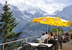 Die Sonnenterrasse macht einen Aufenthalt zum unvergesslichen Erlebnis.  Lunch HERE at the Hotel Edelweiss in Murren, Switzerland!