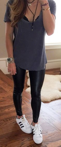 Outfits con Leggins – Moda y Estilo Outfits Leggins, Cute Outfits With Leggings, How To Wear Leggings, Cute Leggings, Printed Leggings, Leggings Store, Leggings Fashion, Tribal Leggings, Outfits With Leather Pants