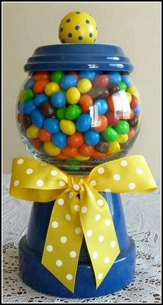 Clay Pot Crafts Easter Gumball Machine - Craft and Beauty Clay Pot Projects, Clay Pot Crafts, Crafts To Make, Fun Crafts, Craft Projects, Crafts For Kids, Arts And Crafts, Craft Ideas, Fun Ideas
