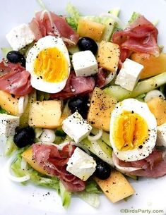 Recette: Salade de Melon Cantaloup & Jambon Sec - Expolore the best and the special ideas about Healthy recipes Brunch Menu, Brunch Recipes, Summer Recipes, Dinner Recipes, Ham Recipes, Cantaloupe And Melon, Salad Recipes, Health Foods, Healthy Recipes