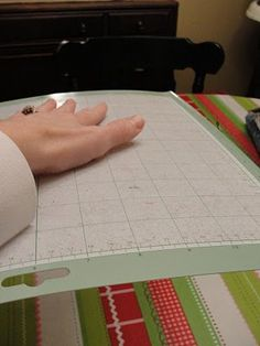 how to re-sticky a cricut mat
