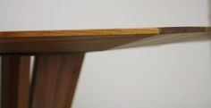Detail Tischkante Handwerkskunst aus Österreich #massivholzprofi #wittmann Solid Wood, Furniture, Home Decor, Lunch Room, Table, Home Furnishings, Interior Design, Home Interiors, Decoration Home